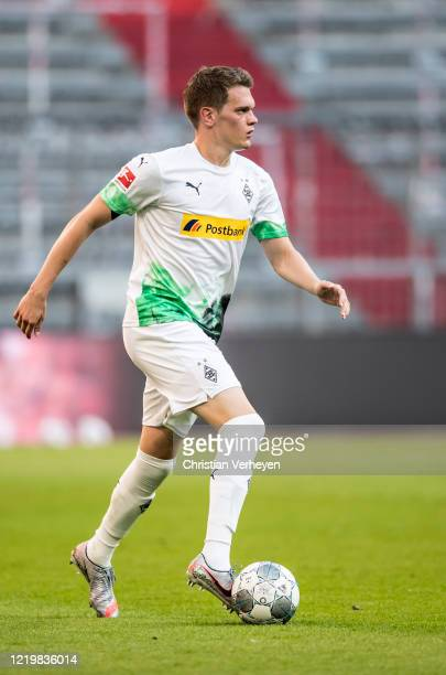 Matthias Ginter of Borussia Moenchengladbach in action during the Bundesliga match between FC Bayern Muenchen and Borussia Moenchengladbach at...