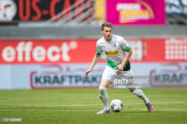 Matthias Ginter of Borussia Moenchengladbach in action during the Bundesliga match between SC Paderborn and Borussia Moenchengladbach at...