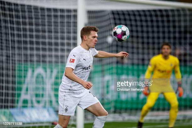 Matthias Ginter of Borussia Moenchengladbach in action during the Bundesliga match between Borussia Moenchengladbach and FC Augsburg at BorussiaPark...