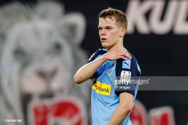 Matthias Ginter of Borussia Moenchengladbach looks on during the Bundesliga match between RB Leipzig and Borussia Moenchengladbach at Red Bull Arena...