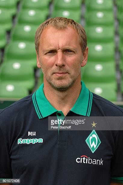 Matthias Hoenerbach FussballMannschaft 'SV Werder Bremen' HalbPortrait geb Sternzeichen Widder WeserStadion Bremen Deutschland Europa Sport Logo...