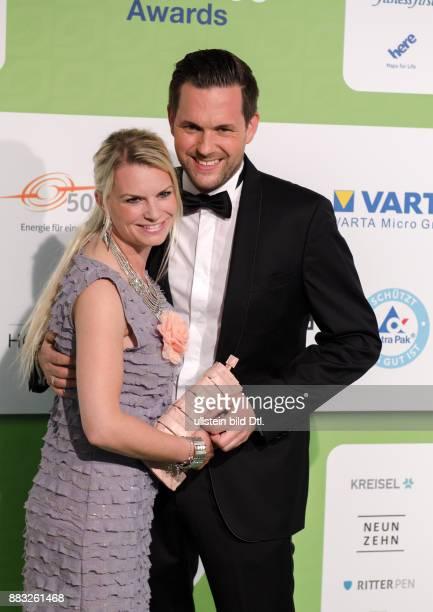 Matthias Killing und Svenja Dierek auf den GreenTec Awards 2015 im Velodrom Berlin am