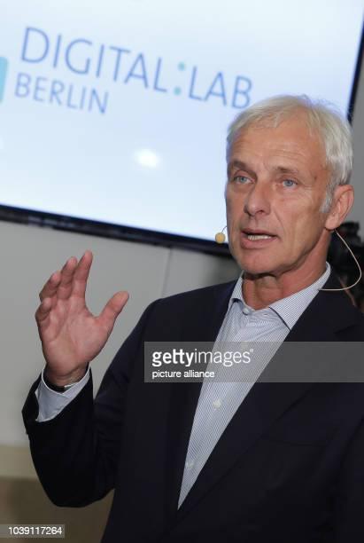 Matthias Mueller CEO of Volkswagen visits the Volkswagen DigitalLab in Berlin Germany 25 October 2016 Here experts from Volkswagen are working with...
