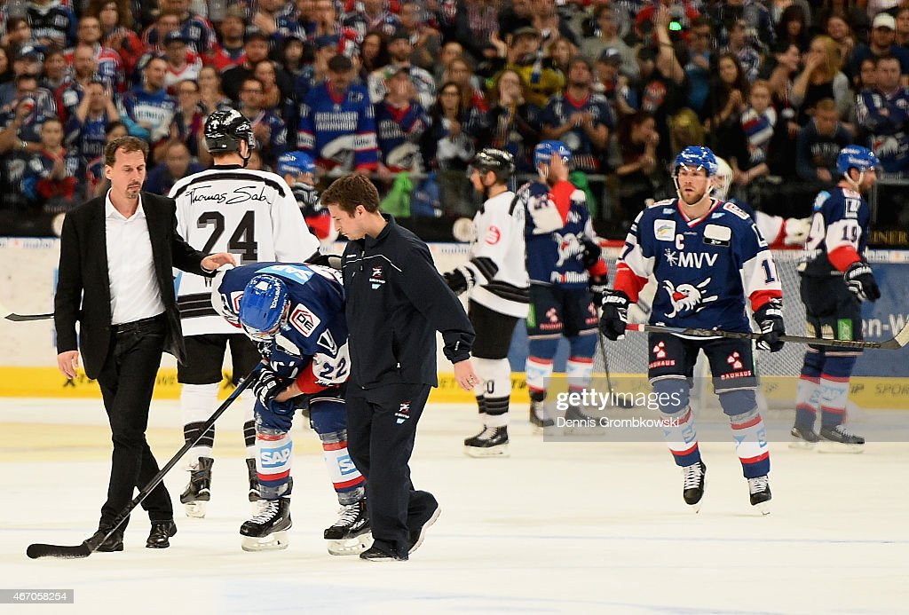 Adler Mannheim v Thomas Sabo Ice Tigers  - DEL Play-offs Quarter Final Game 5