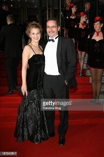 Matthias Platzeck Mit Freundin Jeanette Jesorka Bei Der Verleihung Der Goldenen Henne Im Friedrichstadtpalast In Berlin Am 200906