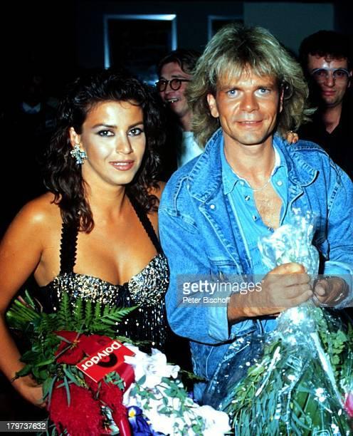 Matthias Reim mit Ehefrau Mago Blume Dekollete Sänger Promis Prominenter Prominente