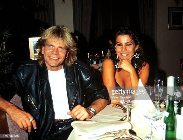 Matthias Reim mit Ehefrau Mago Lokal SängerPromi Promis Prominenter Prominente