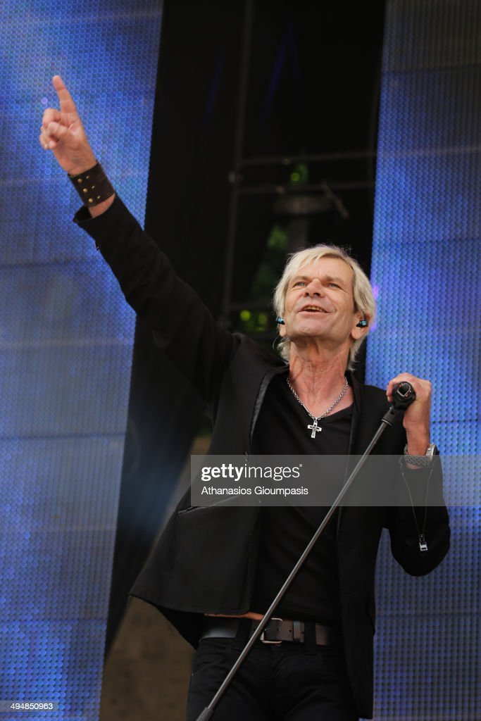 Matthias Reim performs live during 'Die 150. Schlager-Starparde' (the 150th anniversary of the Star Parade) on May 31, 2014 in Berlin, Germany.