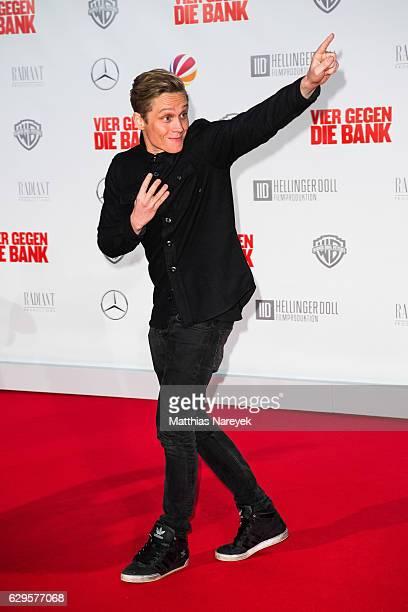 Matthias Schweighofer attends the German premiere of the film 'Vier gegen die Bank' at CineStar on December 13 2016 in Berlin Germany