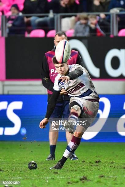Matthieu Jalibert of Bordeaux Begles kicks a penalty during the Top 14 match between Stade Francais and Bordeaux Begles at Stade Jean Bouin on...
