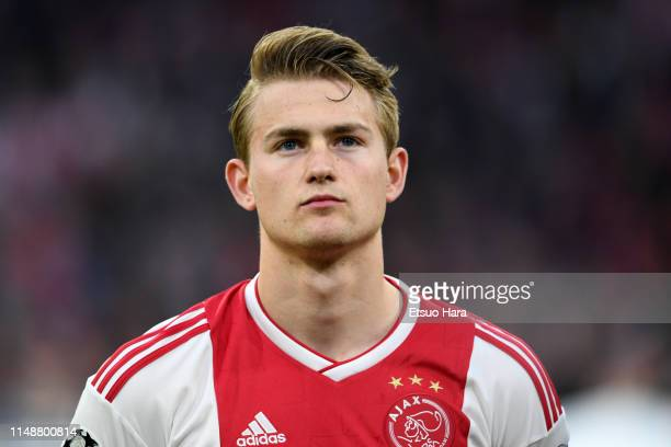 Matthijs de Ligt of Ajax looks on prior to the UEFA Champions League Semi Final second leg match between Ajax and Tottenham Hotspur at the Johan...