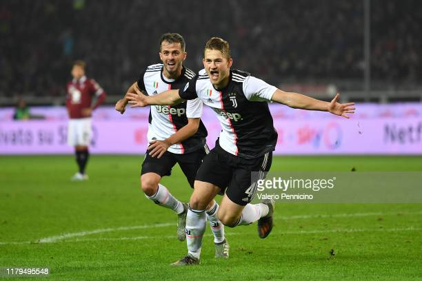 Matthijs de Ligt of Juventus celebrates aftyer scored the opening goal during the Serie A match between Torino FC and Juventus at Stadio Olimpico di...