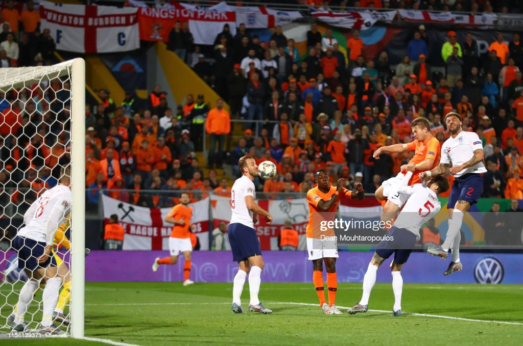 Netherlands v England - UEFA Nations League Semi-Final : Fotografía de noticias