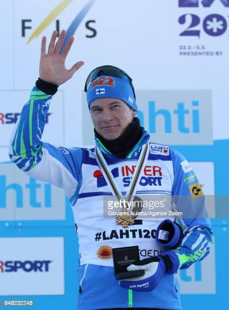 Matti Heikkinen of Finland wins the bronze medal during the FIS Nordic World Ski Championships Men's Cross Country Mass Start on March 5 2017 in...