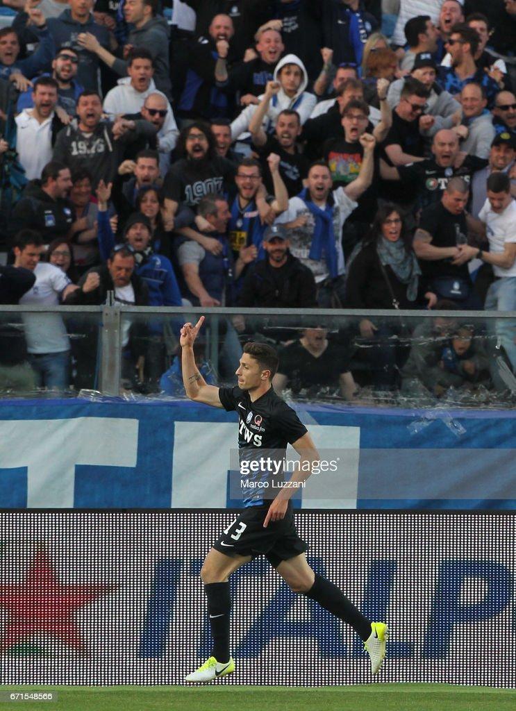 Mattia Caldara #13 of Atalanta BC celebrates his goal during the Serie A match between Atalanta BC and Bologna FC at Stadio Atleti Azzurri d'Italia on April 22, 2017 in Bergamo, Italy.