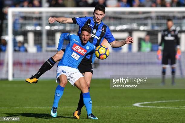 Mattia Caldara of Atalanta BC competes with Dries Mertens of SSC Napoli during the serie A match between Atalanta BC and SSC Napoli at Stadio Atleti...