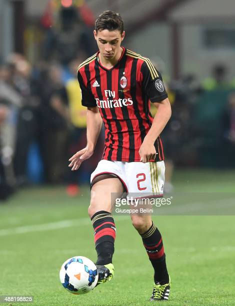 Mattia De Sciglio of AC Milan in action during the Serie A match between AC Milan and FC Internazionale Milano at Stadio Giuseppe Meazza on May 4...
