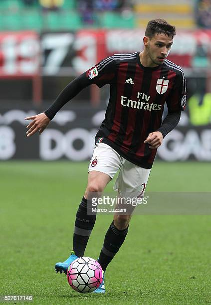 Mattia De Sciglio of AC Milan in action during the Serie A match between AC Milan and Frosinone Calcio at Stadio Giuseppe Meazza on May 1 2016 in...