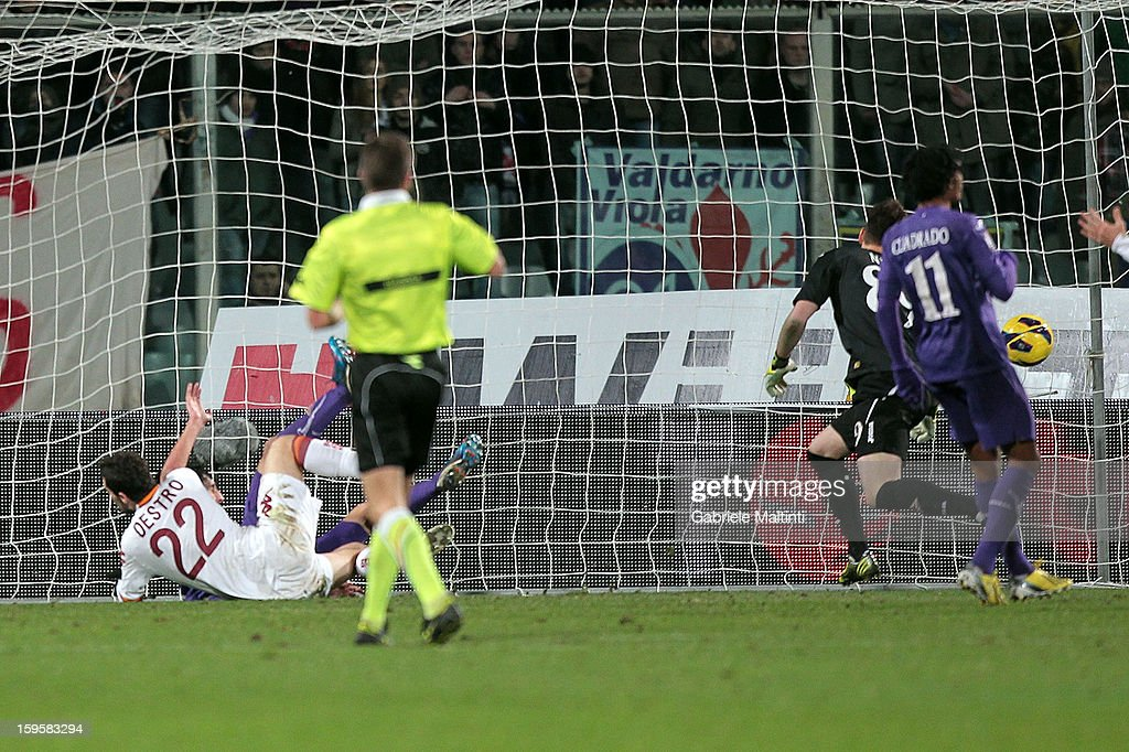 Mattia Destro of AS Roma scores the opening goal during the TIM cup match between ACF Fiorentina and AS Roma at Artemio Franchi on January 16, 2013 in Florence, Italy.