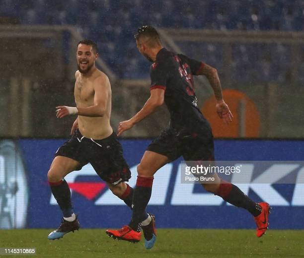 Mattia Destro of Bologna FC celebrates after scoring the team's second goal during the Serie A match between SS Lazio and Bologna FC at Stadio...
