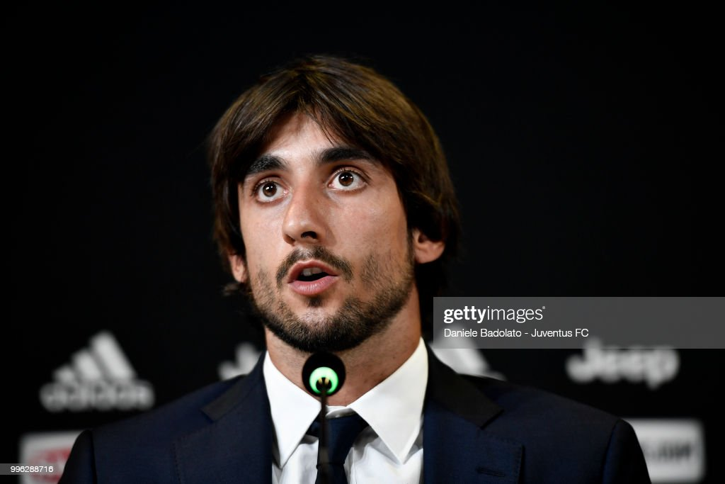 Fotos e imagens de juventus press conference getty images mattia perin during a juventus press conference at juventus allianz stadium on july 11 2018 stopboris Gallery