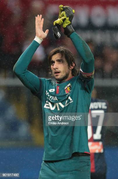 Mattia Perin of Genoa CFC celebrates the victory at the end of the serie A match between Genoa CFC and US Sassuolo at Stadio Luigi Ferraris on...