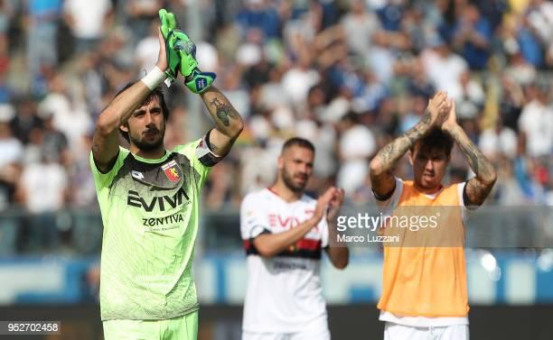 Mattia Perin of Genoa CFC salutes the fans at the end of the serie A match between Atalanta BC and Genoa CFC at Stadio Atleti Azzurri d'Italia on...