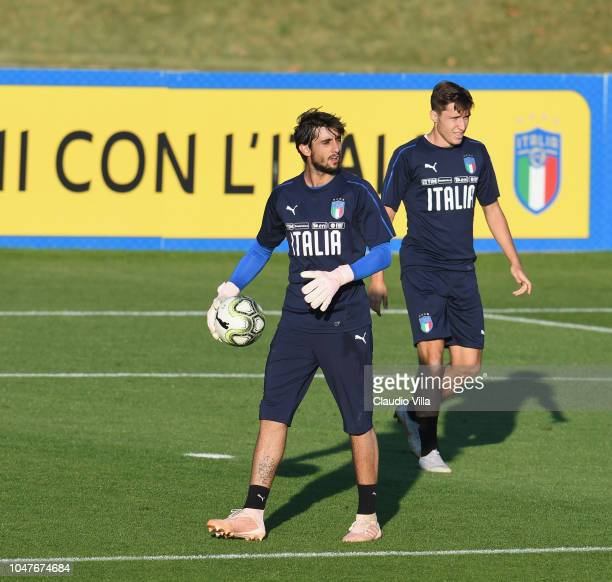Mattia Perin of Italy in action during a Italy training session at Centro Tecnico Federale di Coverciano on October 8 2018 in Florence Italy