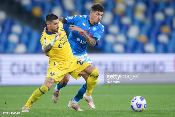Mattia Zaccagni of Hellas Verona and Giovanni Di Lorenzo of SSC Napoli compete for the ball during the Serie A match between SSC Napoli and Hellas...