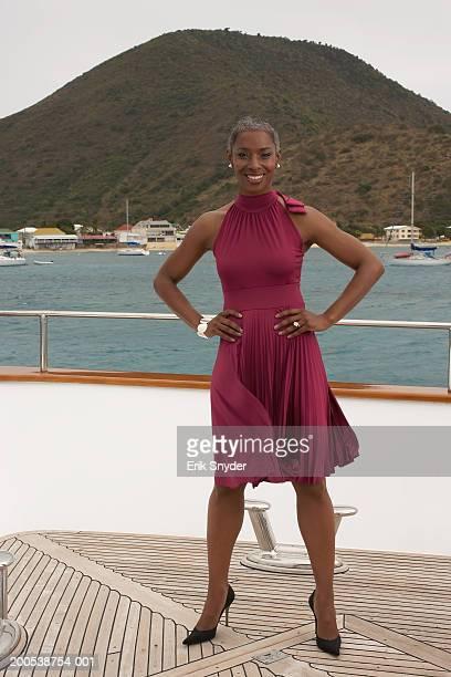 mature businesswoman on deck of yacht, portrait - オランダ領リーワード諸島 ストックフォトと画像