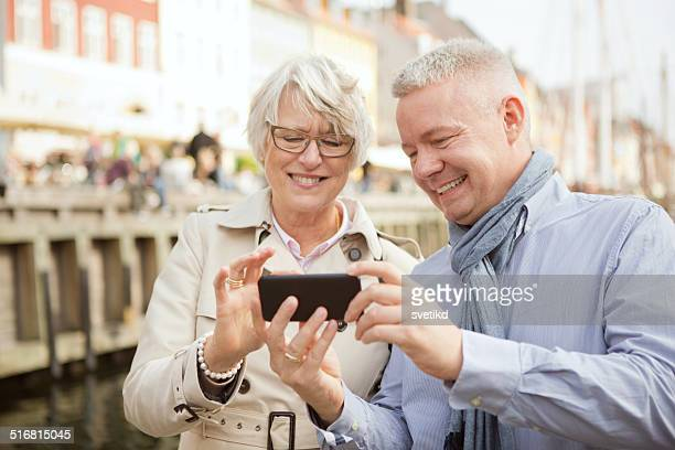 Mature couple in a city.