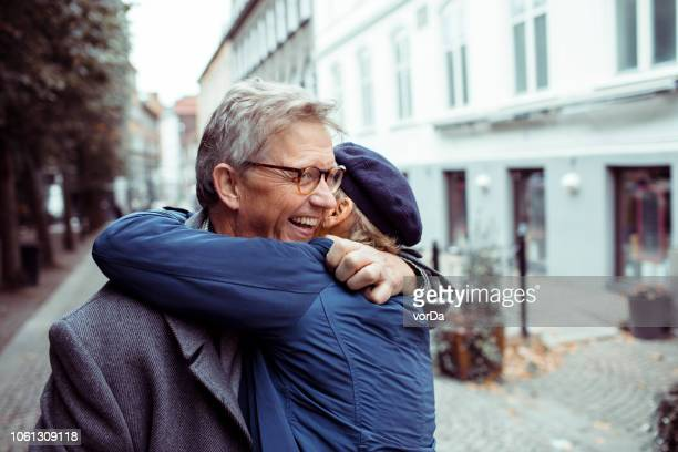 mature couple - embracing stock pictures, royalty-free photos & images