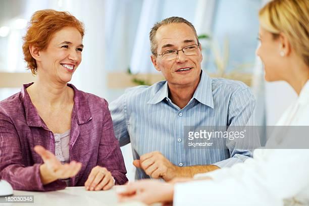 Älteres Paar einen Arzt besuchen.