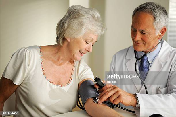 Reife Arzt und Patient