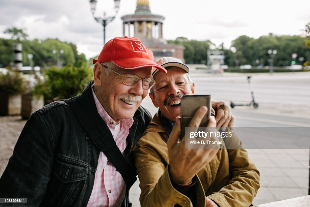 Mature Gay Couple Taking Selfie Together : Stock Photo