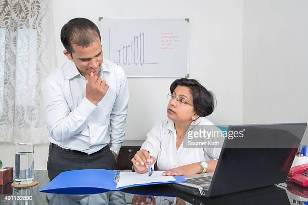 マチュアインドのビジネスウーマンギブ指示書をその Subordinates でご利用いただけます。