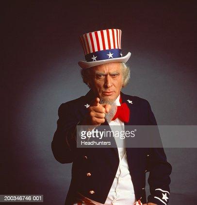 old man fingering cunt