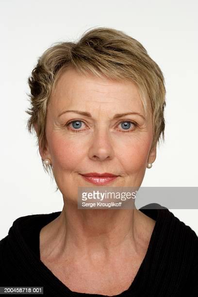 mature woman, portrait, close-up - 55 59 anni foto e immagini stock
