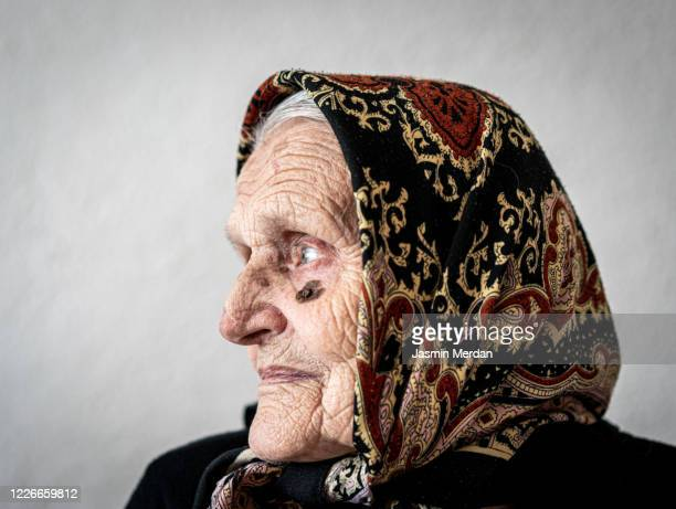 mature woman profile side view - eastern european descent stock pictures, royalty-free photos & images