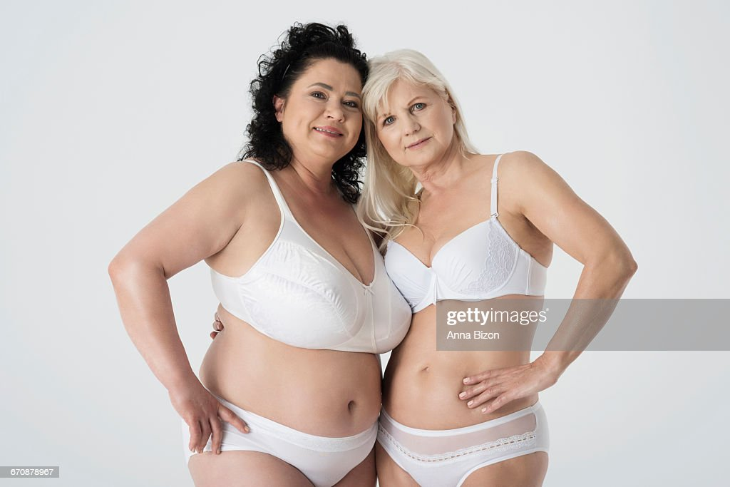 Дамы в возрасте в групповушке