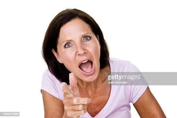 Ältere Frau mit schreien beim Betrachter