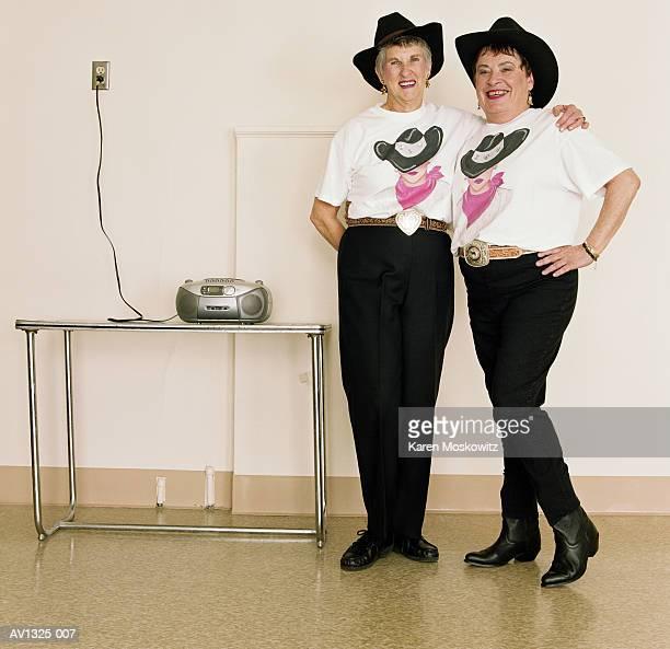 mature women, line dancing, dance studio - tee reel bildbanksfoton och bilder