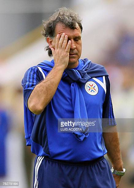 Paraguay's national team coach Grardo Martino reacts during their Copa America Venezuela 2007 quarterfinals match against Mexico 08 July 2007 in...