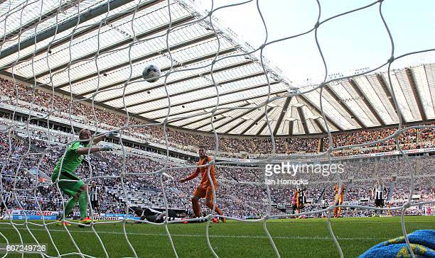 MatzNEWCASTLE UPON TYNE ENGLAND SEPTEMBER 17 Matz Sels in the Newcastle goal can only watch as Chancel Mbemba scores in his own net for the opening...