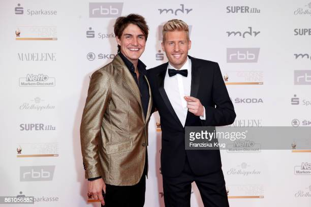 Matze Knop and Maxi Arland attend the Goldene Henne on October 13 2017 in Leipzig Germany