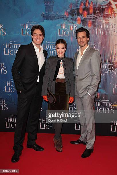 Matze Knop Hannah Herzsprung and Florian David Fitz attend the 'Die Hueter des Lichts' Germany Premiere on November 12 2012 in Munich Germany