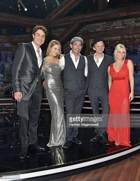 Matze Knop Linda Hesse Sascha Pierro and Julia Lindholm during the tv show 'Heiligabend mit Carmen Nebel' on November 23 2016 in Munich Germany The...