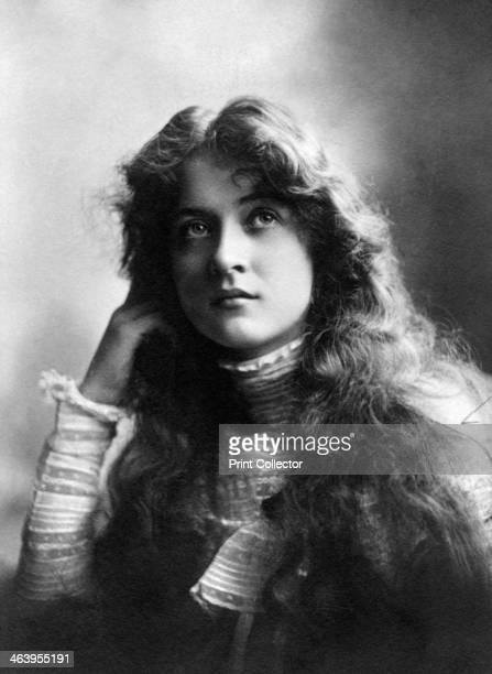 Maude Fealy , American actress, 1902.