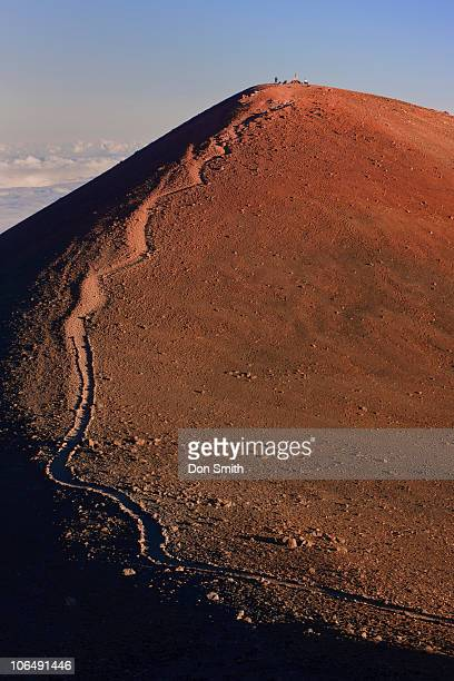 mauna kea summit trail - don smith stock pictures, royalty-free photos & images