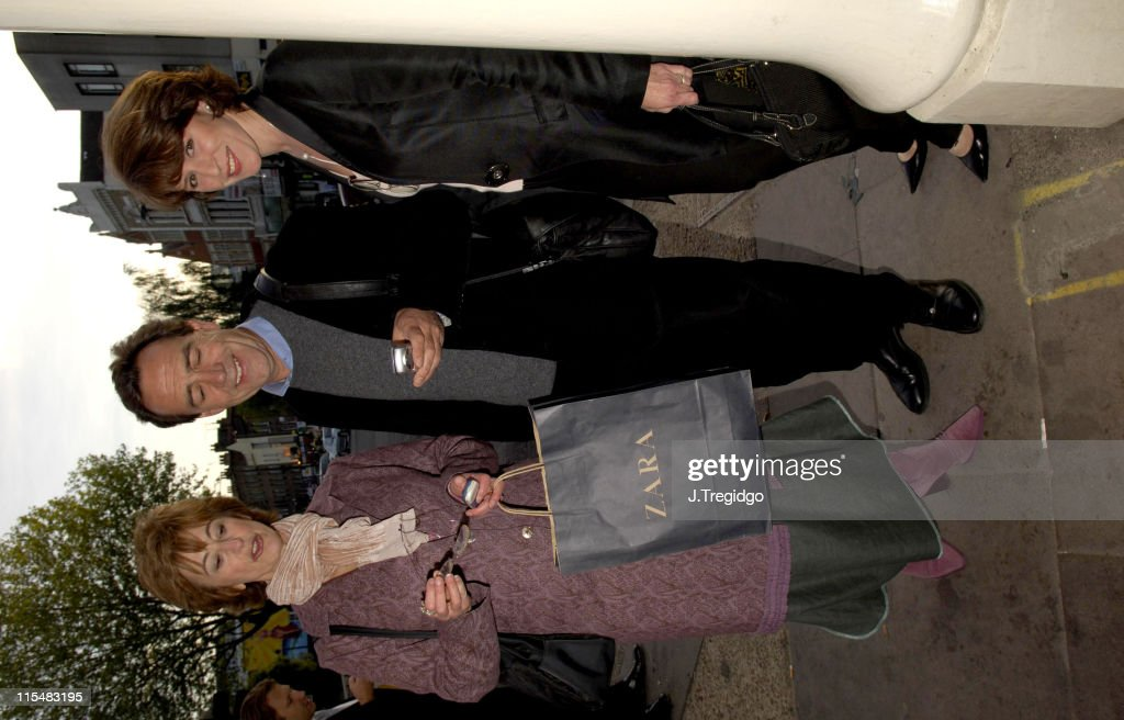 Maureen Lipman, Robert Lindsay and Rosemary Ford during 'The Philidelphia Story' - Arrivals at The Old Vic in London, Great Britain.